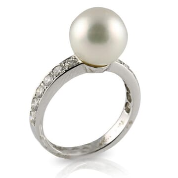 SOUTH SEA PEARL AND DIAMOND 18K WHITE GOLD RING