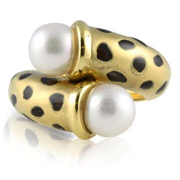 PEARL18K YELLOW GOLD AND BLACK ENAMEL RING