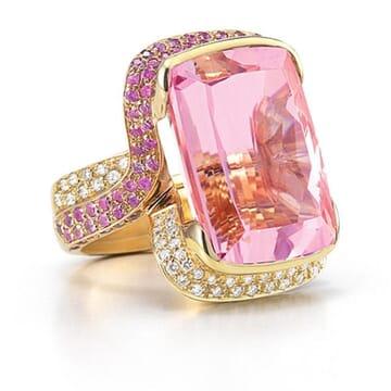 DIAMOND AND SAPPHIRE WITH KUNZITE CENTER 18K YELLOW GOLD RING