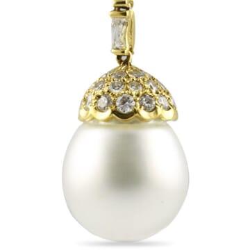 PEARL AND DIAMOND 18K YELLOW GOLD DANGLE EARRINGS