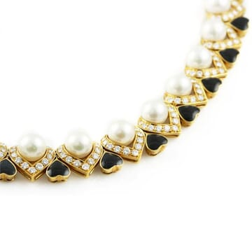 DIAMOND AND PEARL 18K YELLOW GOLD AND ENAMEL NECKLACE