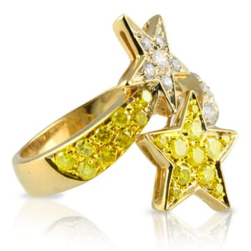 YELLOW AND WHITE DIAMOND 18K YELLOW GOLD RING