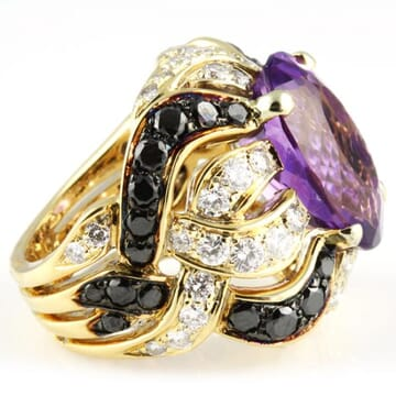 AMETHYST WITH  BLACK AND WHITE DIAMONDS 18K YELLOW GOLD RING