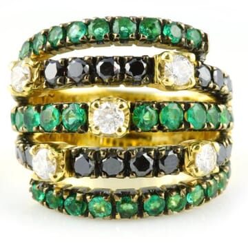 EMERALD WITH BLACK AND WHITE DIAMOND 18K YELLOW GOLD RING