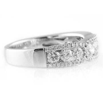 1.11 CT FLOATING DIAMOND WHITE GOLD WEDDING BAND