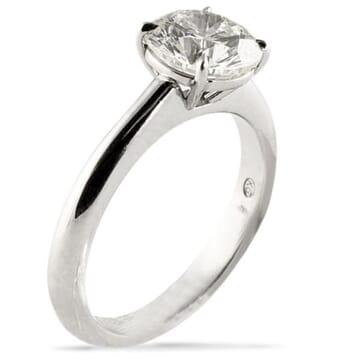 ROUND DIAMOND PLATINUM ENGAGEMENT RING