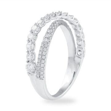 PAVE & PRONG SET DIAMOND CRISS-CROSS BAND