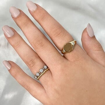 Engravable Signet Ring front view yellow gold