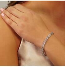 ROUND HALO PAVE CLUSTER DIAMOND 18K WHITE GOLD BRACELET