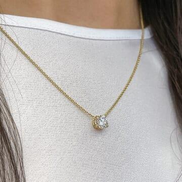 1.03 ct Round Diamond Yellow Gold Pendant