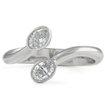 Toi et Moi Oval Diamond Ring white gold